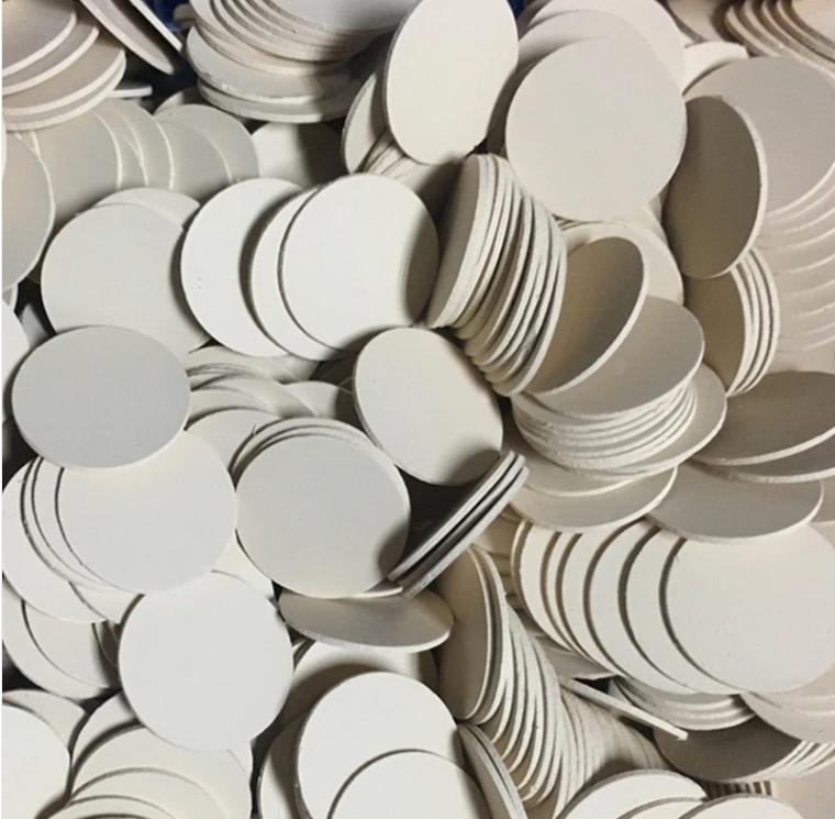 需要整列的陶瓷片零件