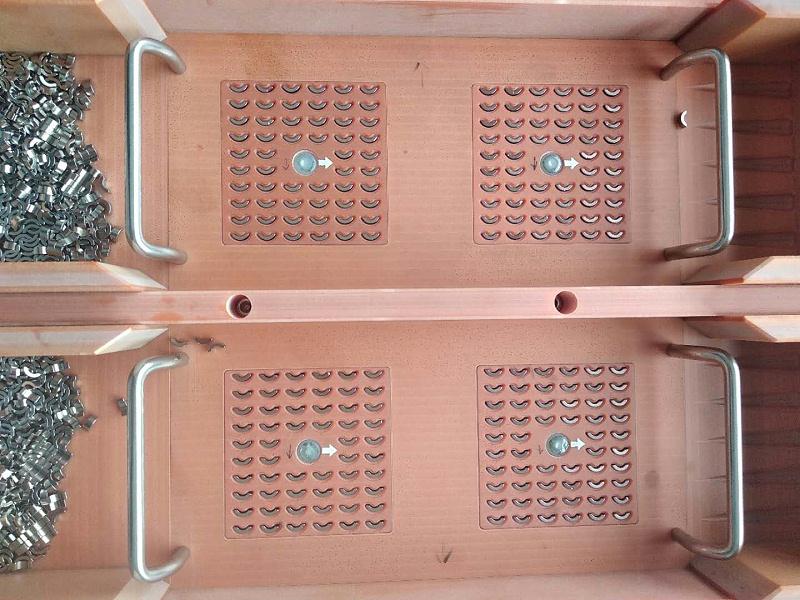 磁石零件摆盘机